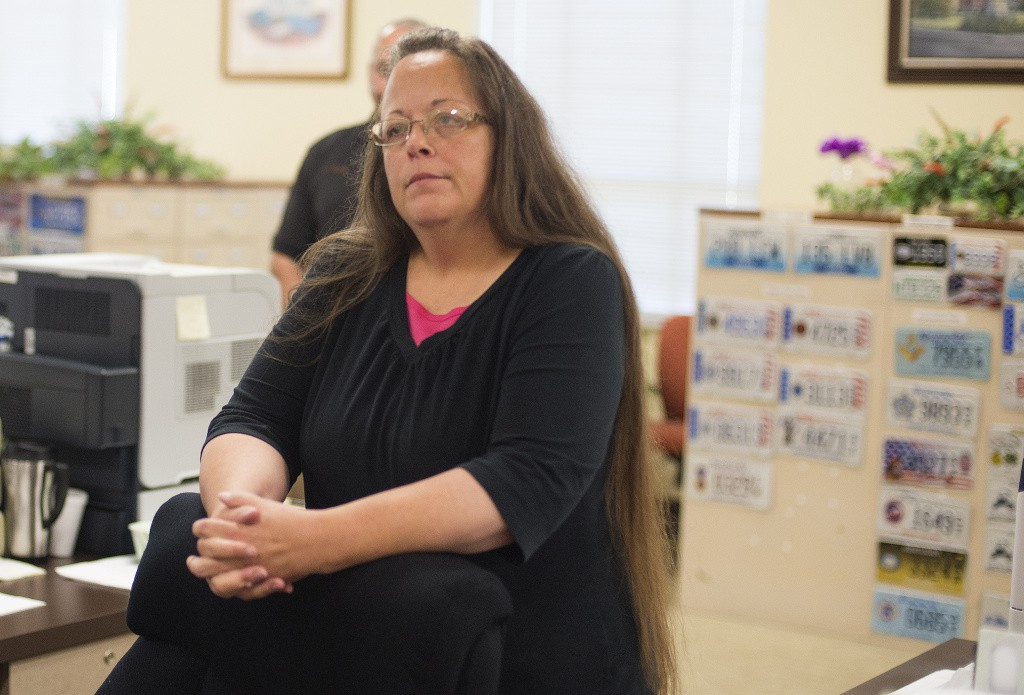 Kentucky clerk jailed for refusing to recognise gay marriages