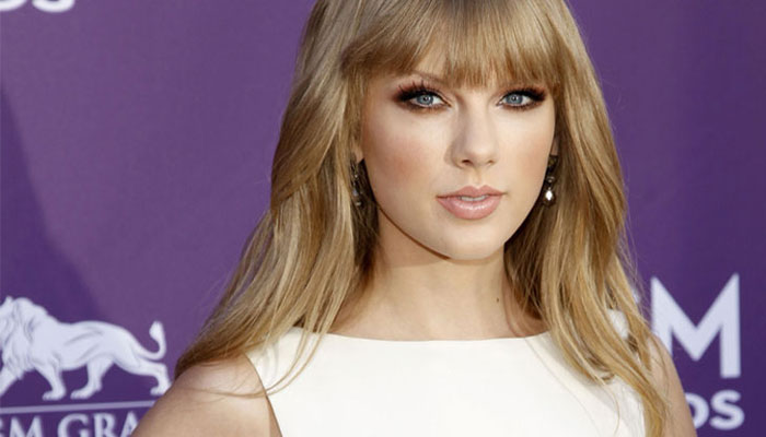 Taylor Swift named Billboard Woman of the Year 2014