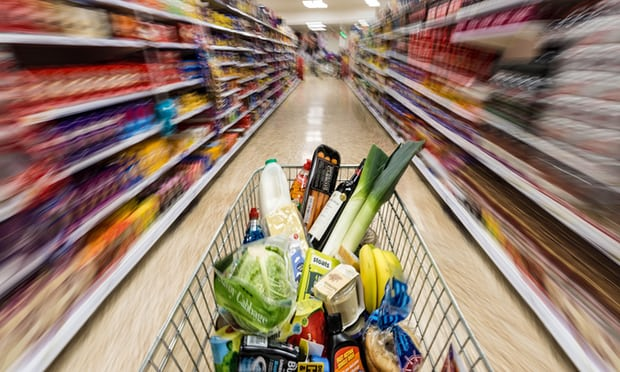 UK shoppers spend £1bn more on groceries at Christmas.
