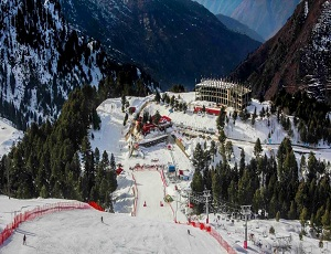 International skiers stunned by Malam Jabba\'s sublime beauty