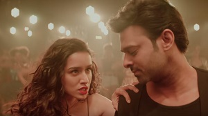Shraddha Kapoor oozes oomph, Prabhas shows off his dance moves in \'Psycho Saiyaan\' teaser