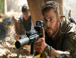 \'Extraction\' review: Chris Hemsworth stars in old-school action fest