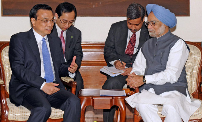 PM raises Chinese incursion with Li, voices India�s concerns