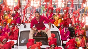 Simmba new song: Ranveer Singh shows off his 'Lavani' skills in 'Aala Re Aala'