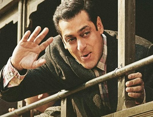 Tubelight teaser buzz: Salman Khan unveils NEW POSTER on Twitter, fans feel the rush!