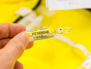 Ketamine depression treatment 'should be rolled out'