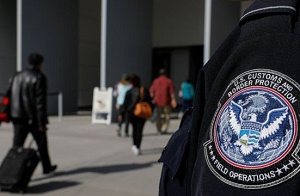 San Ysidro border crossing briefly shut to beef up security