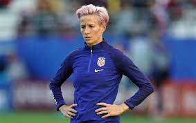 U.S. women's soccer superstar Megan Rapinoe endorses Elizabeth Warren for 2020