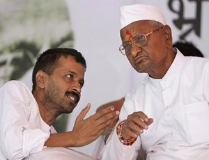 Anna Hazare ridicules Arvind Kejriwal\'s demand to return to ballot paper