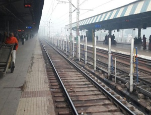 Dense fog in Delhi, 30 trains delayed, 15 cancelled; air quality remains 'severe'.