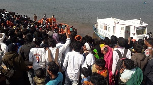 Six drown as boat capsizes in Narmada river in Maharashtra