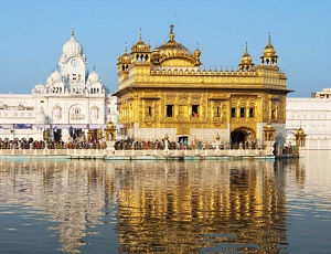 Amritsar: Three injured during clash outside Golden Temple