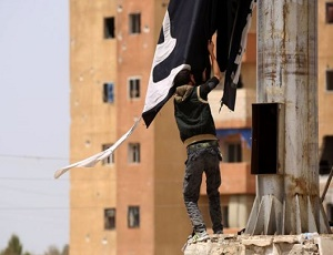 IS conflict: Syrian opposition 'take town of Tabqa and dam'