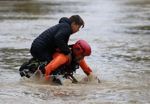 France weather: Red alert as flash floods kill 13 in south-west