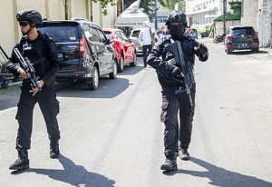 Surabaya: Suicide bombers attack Indonesia police headquarters