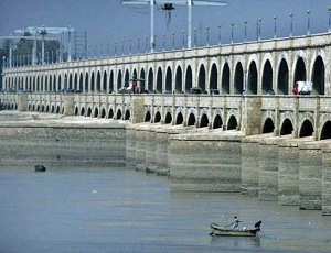 World Bank agrees to finance rehabilitation of Sukkur Barrage.