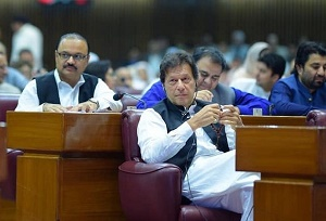 PM Imran slams opposition for referring to him as 'selected'