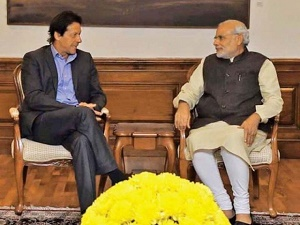 Modi offers Imran 'new beginning' in ties with Pakistan