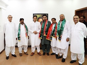 PTI in lead to form govt in Punjab as nine independent MPAs-elect join party