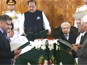 Caretaker setup: Six member federal cabinet takes oath