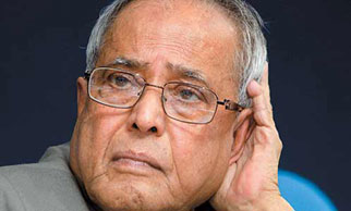 Forgery charge on Pranab: BJP petitions EC