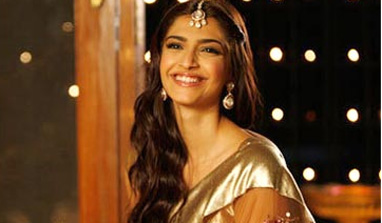 Fan of classic looks, Sonam Kapoor imitated Madhubala`s sari