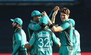Pakistan cruise to victory in 4th ODI to level series against South Africa