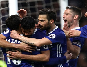 Chelsea edge past West Ham 2-1 to restore 10-point lead in table