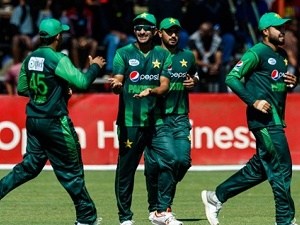 T20I Tri-Series: Pakistan set up final with Australia after Zimbabwe win