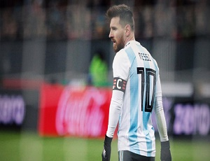 Argentina want Lionel Messi to play less for Barcelona.