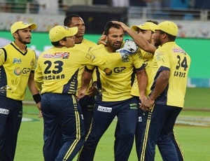 Peshawar set Quetta final in PSL2
