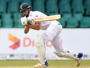 De Bruyn eyes South Africa's one-down spot