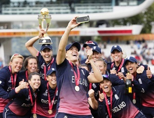 Knight praises England's World Cup winning Dames.