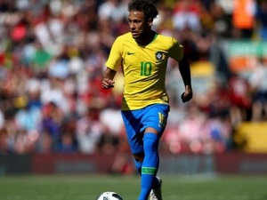 Neymar\'s Brazil look as strong as Germany