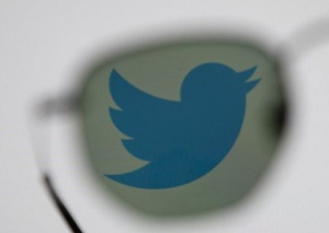 Twitter warns direct messages were exposed