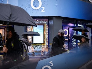 O2 \'to seek millions\' in damages over data outage