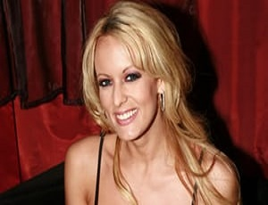 Stormy Daniels seeks Trump testimony on her sex claims
